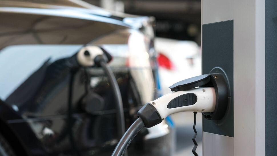 Rząd dopłaci do samochodów elektrycznych, ale tylko tych najtańszych