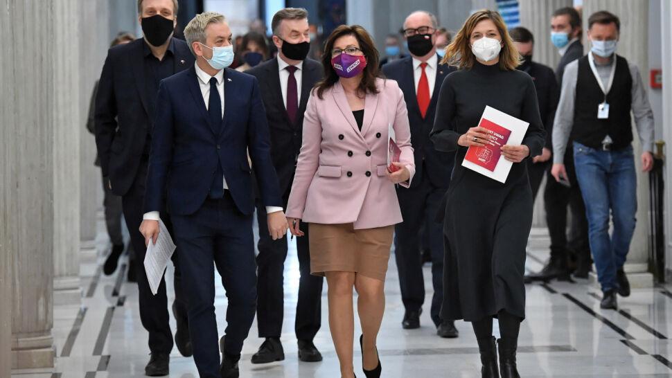 """Komentarze po porozumieniu PiS-Lewica. """"Szansa na zmianę rządu się oddaliła"""""""