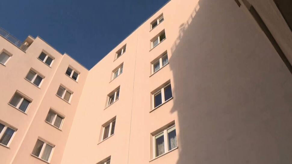Dwie dziewczynki wypadły z piątego piętra