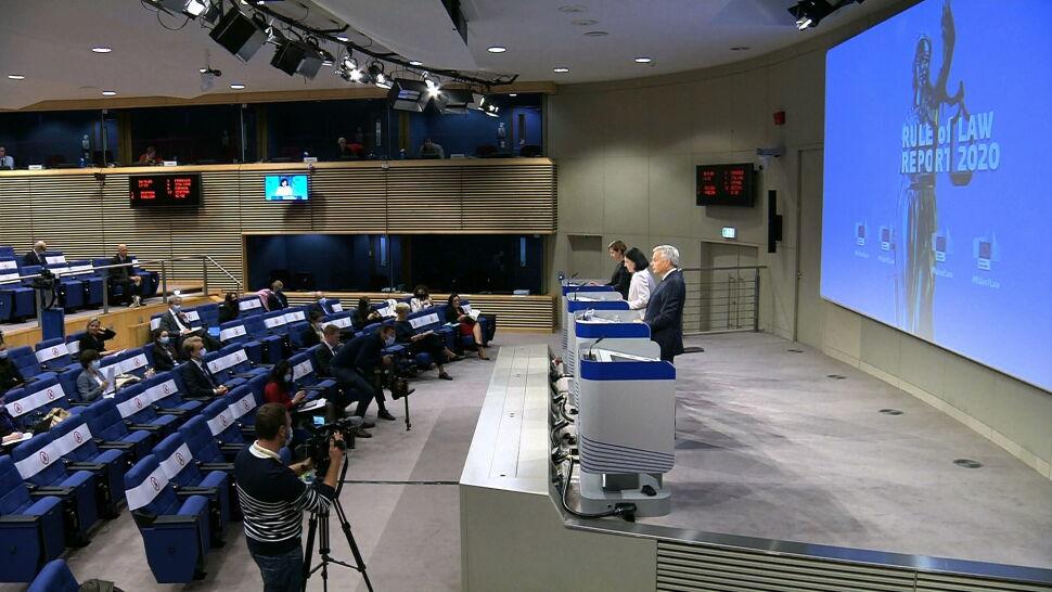 """Komisja Europejska przygotowała raport o praworządności. """"Jest druzgocący"""""""
