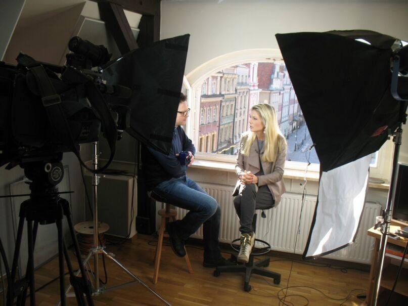 Jarosław Kostkowski w poznańskim studiu Faktów TVN