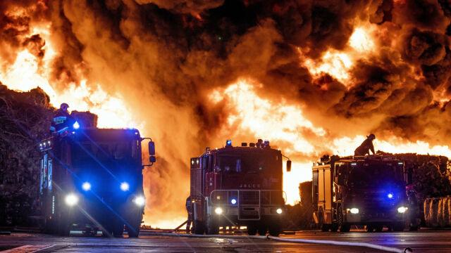 26.05.2018 | Ogromny pożar i niebezpieczna chmura toksyn. Trwa akcja gaśnicza w Zgierzu
