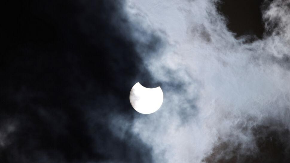 W czwartek można było zaobserwować częściowe zaćmienie Słońca