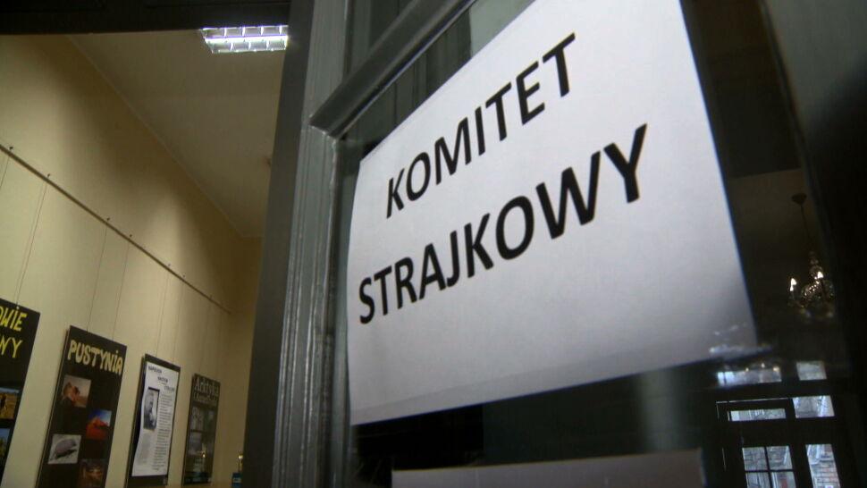 Maleje liczba strajkujących placówek, ale ZNP i ministerstwo podają rozbieżne dane