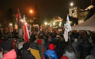 """W całej Polsce protesty przeciwko """"ustawie represyjnej"""". """"Nie zrobiły na mnie wrażenia"""""""
