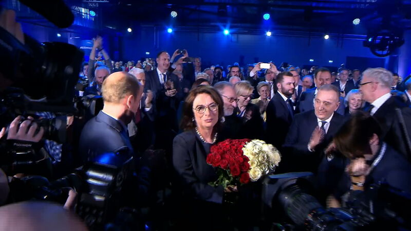 Małgorzata Kidawa-Błońska ze wsparciem Donalda Tuska
