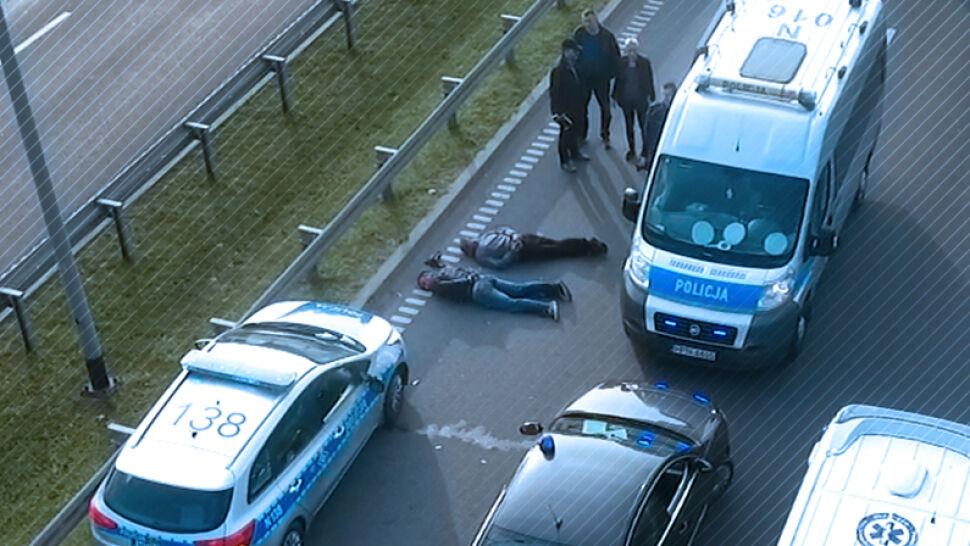 Miał zakaz prowadzenia pojazdów. Wypił, wyjechał, ranił policjantów