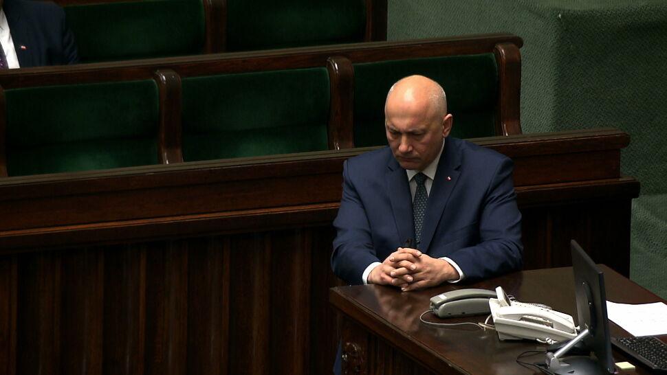 """Deklaracja Joachima Brudzińskiego zaskoczyła posłów. """"Swoisty teatr"""""""