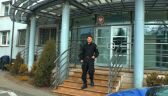 23.04.2015 | Dwulatka sama, bosa i tylko w piżamie na ulicach Olsztyna. Dziecku pomógł tylko policjant