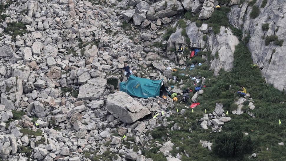 Trudna akcja w Tatrach. Wciąż nie ma kontaktu z uwięzionymi grotołazami