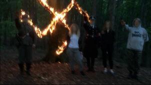 Przegląd prasy: Czcili Hitlera w lesie. Nadal dostają