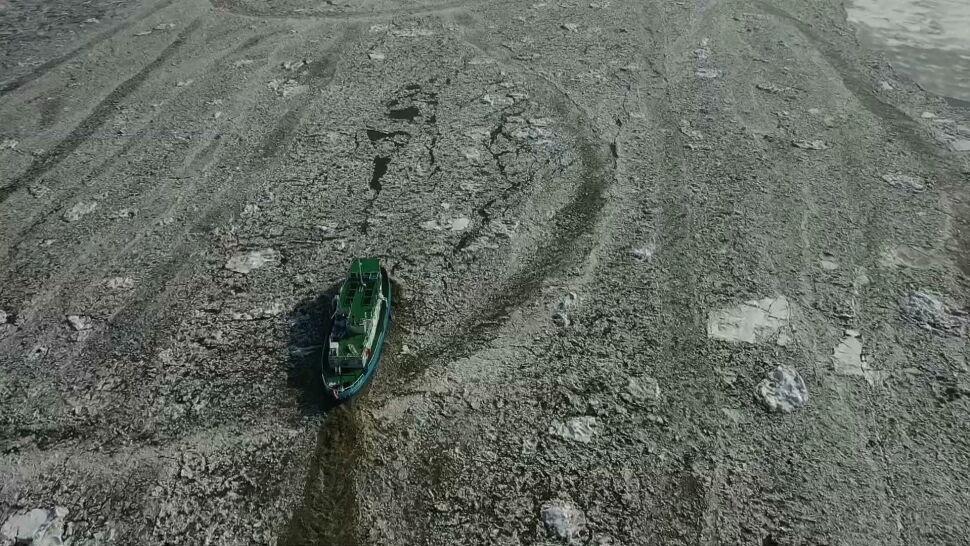 Rośnie poziom Wisły. Lodołamacze walczą z zatorem na Zbiorniku Włocławskim