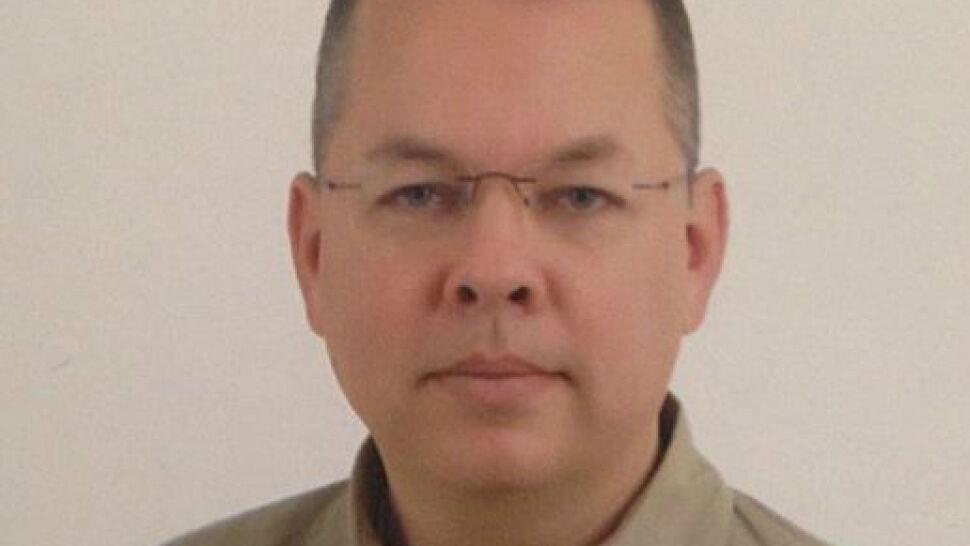 Turcja go oskarża, USA chcą jego uwolnienia. Sprawa pastora zakończy strategiczny sojusz?