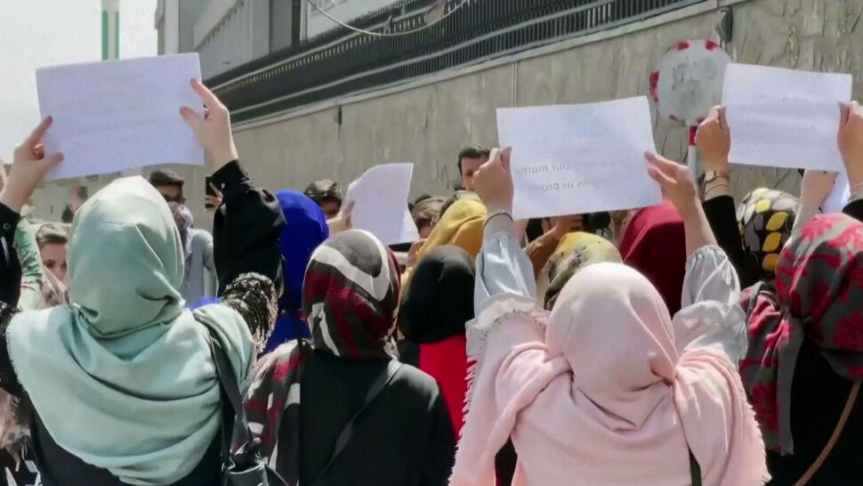 Talibowie ograniczają prawa kobiet, choć próbują się kreować na umiarkowanych