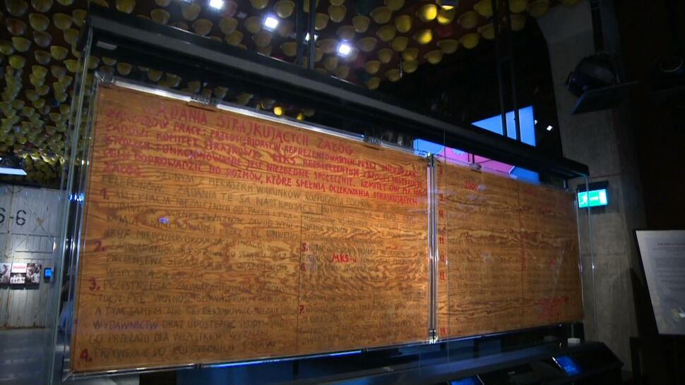 Spór o tablice z postulatami stoczniowców. Narodowe Muzeum Morskie chce ich zwrotu