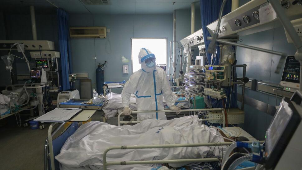 W ciągu doby ponad 250 osób zmarło z powodu koronawirusa. To czarny rekord
