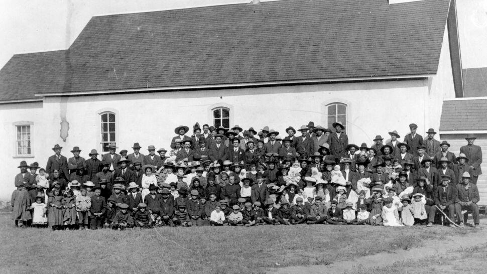 """751 ciał przy byłej szkole w Kanadzie. """"Te przymusowe szkoły to były obozy koncentracyjne"""""""