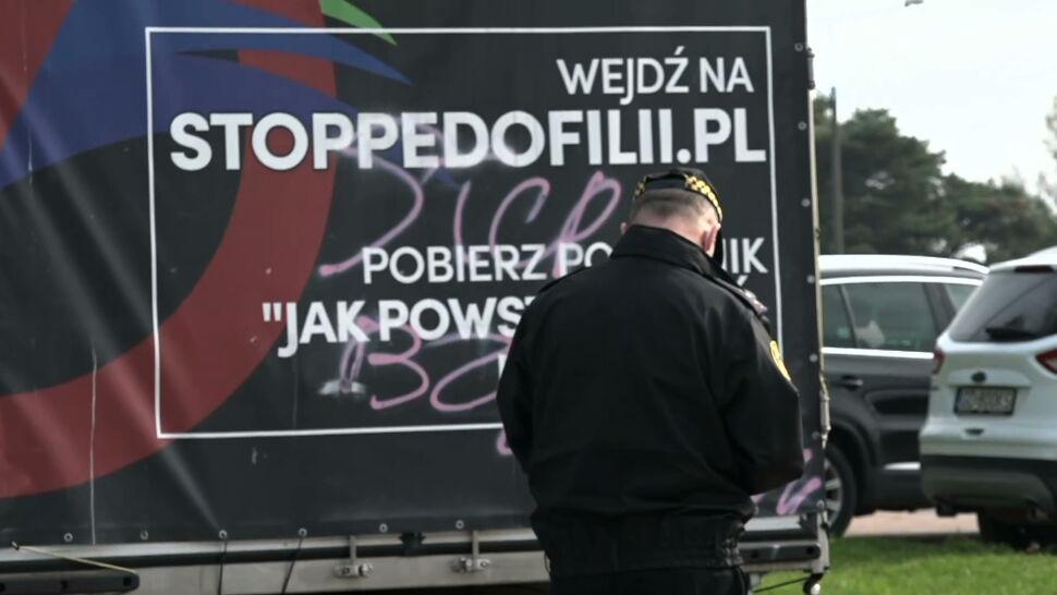 Furgonetka z hasłami anty-LGBT w Trójmieście. Do sądu ma trafić wniosek o ukaranie kierowcy