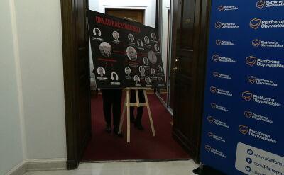 Sejmowa tablica uderza w Straż