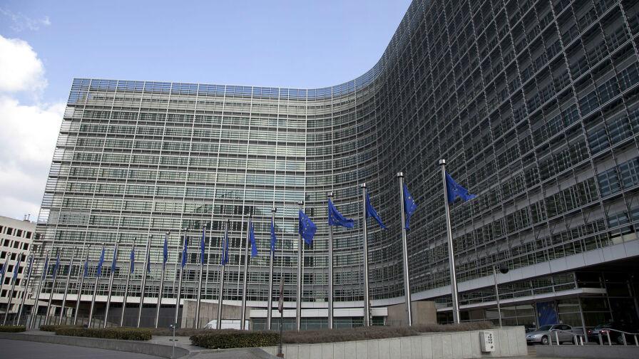 """Kto odpowiada za konflikt rządu z Unią Europejską? Sondaż dla """"Faktów"""" TVN i TVN24"""