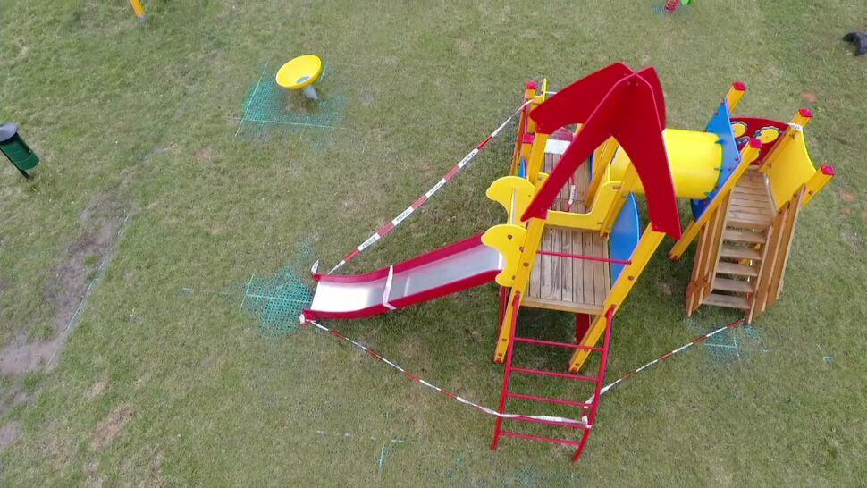 Dwulatek poparzył się na placu zabaw. Ktoś polał urządzenia kwasem