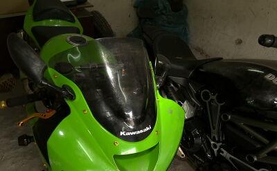 Kradzione motocykle pod słomą. W rękach policji jest sześciu mężczyzn