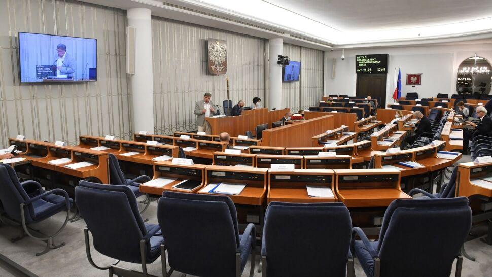 Senat odrzucił sprawozdanie KRRiT. Padły pytania o koncesję dla TVN24