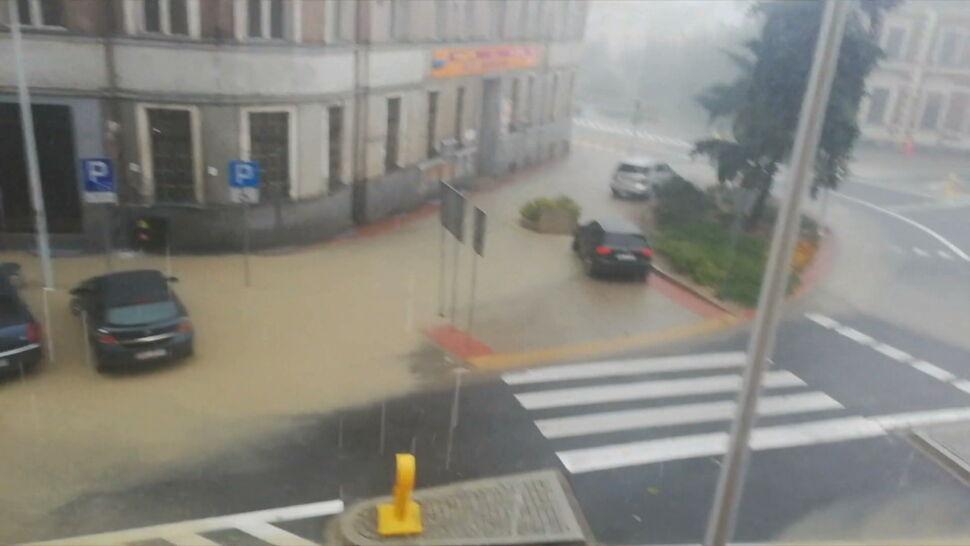 Alerty pogodowe w Polsce. Mogą pojawić się burze i gradobicia