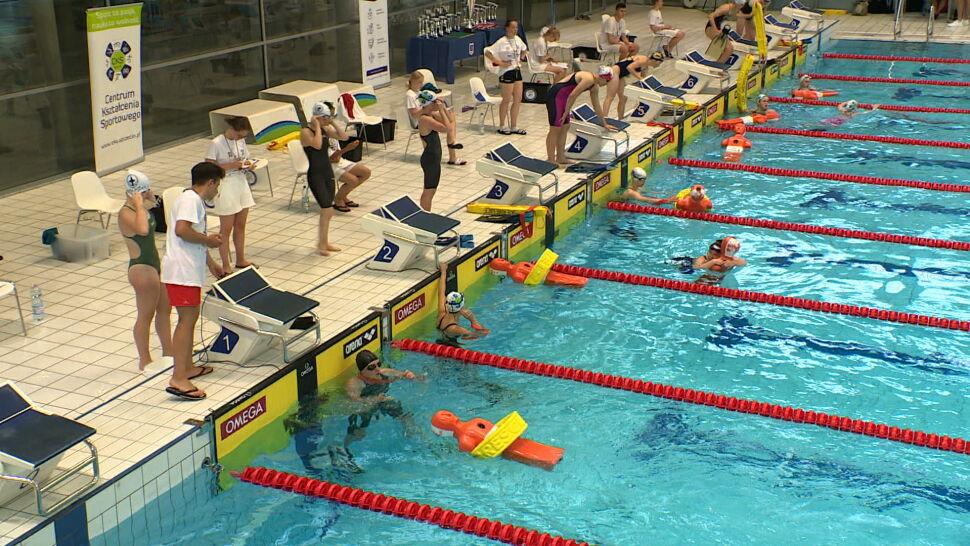 Ratownicy mierzą się w zawodach i przypominają o bezpieczeństwie nad wodą