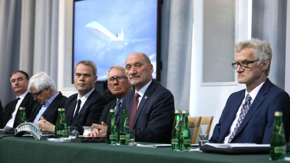 MON: powołanie Macierewicza na szefa podkomisji smoleńskiej zgodne z prawem