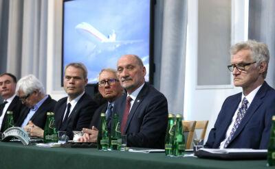 """Macierewicz przedstawił tak zwany raport techniczny. """"Nie było żadnych danych technicznych"""""""