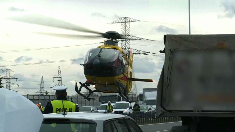 Helikopter LPR bujał się w powietrzu tuż nad drogą. Piloci: ćwiczymy takie sytuacje