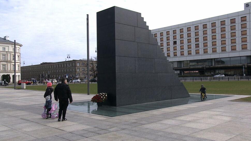 """""""Te osoby uderzały oponami o ten pomnik"""""""