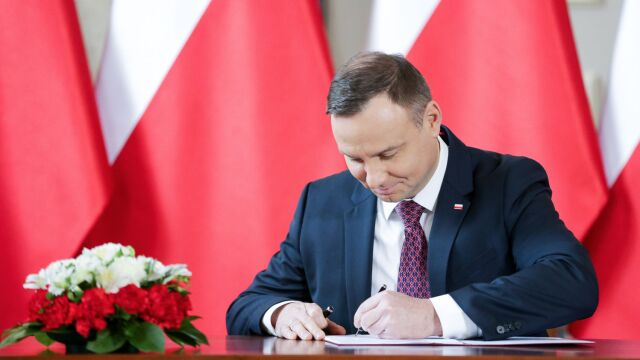 President Andrzej Duda has signed the amendment to the Supreme Court law shortly after the Court of Justice of the European Union ordered Poland to backtrack on the reform