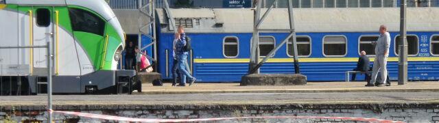 Niewybuch przy dworcu Zachodnim.  Stały pociągi w całym województwie