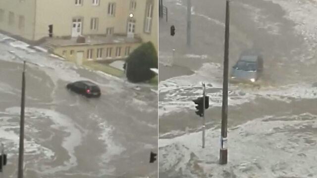 Po burzy ulice zamieniły się w rzeki