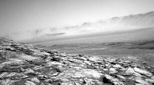 Samotna misja łazika Curiosity trwa. Sfotografował marsjańską mgłę