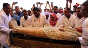 W Egipcie odkryto 30 starożytnych trumien