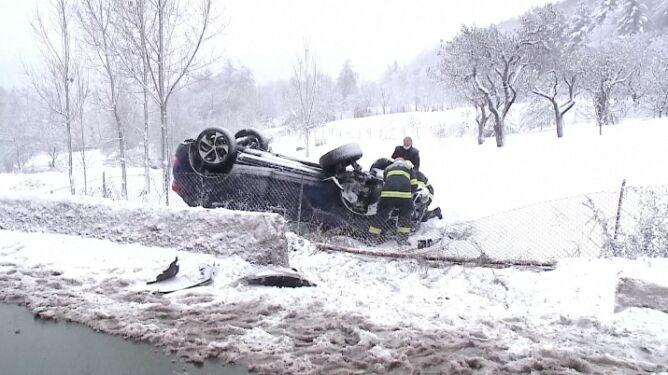 Pierwsze opady śniegu i pierwsze wypadki